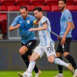 Argentina le ganó a Uruguay y llegó a la cima del Grupo A de la Copa América